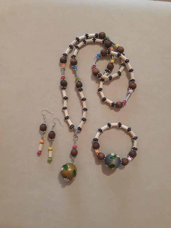 Set collana bracciale orecchini legno e metallo